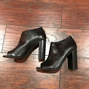 STEVE MADDEN BLACK LEATHER CHUNKY HEAL-SZ 6.5